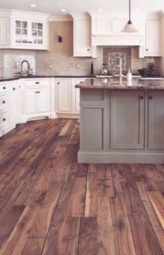 12 Gorgeous Farmhouse Kitchen Design Gallery - Whether or not you routinely feed a big crew or just love the lived-in look of a rustic kitchen, you will Rustic Kitchen Design, Country Kitchen, New Kitchen, Kitchen Modern, Kitchen Ideas, Kitchen Wood, Kitchen Layout, Kitchen Designs, Vintage Kitchen