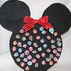 Minnie Sucker Board-could make it mickey too! Use as a game with a mickey prize for the one who pulls the sucker with the colored bottom!