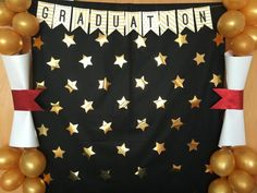 Easy centerpieces + Ornaments + Graduation Decoration 2019 - New Deko Sites 5th Grade Graduation, Graduation Crafts, Graduation Party Planning, Kindergarten Graduation, Graduation Decorations, Graduation Party Decor, School Decorations, Graduation Photos, College Graduation