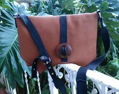 NEW!! Ligth Brown Leather Bag - Unique & Everyday