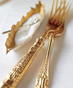 and Fancy flatware. Only 1 set owned because I splurged on 2 dinnerware sets! ZsaZsa Bellagio – Like No Other: An Elegant Home. Gold Flatware, Cutlery Set, Gold Aesthetic, Shades Of Gold, Deco Table, Elegant Homes, Fine Dining, Dinnerware, Table Settings