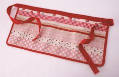 Pocket Apron from Half Yard Heaven by Debbie Shore #pocketapron #apron