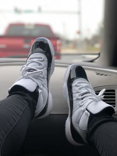 61dbe9c16ee2 436 Best -shoes👟 images in 2019
