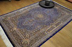 Для окраски нитей ковра во все оттенки синего цвета используют только один натуральный краситель - корень индиго (Indigoferia tictoria). http://stylishnest.ru/product/kover-qum_uh/