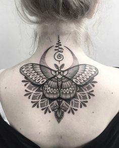 Neck Tattoo Removal Awesome Belly Tattoo ✨ink✨ Butterfly Mandala Tattoo, Dotwork Tattoo Mandala, Butterfly Tattoo On Shoulder, Butterfly Tattoos For Women, Butterfly Tattoo Designs, Mandala Tattoo Design, Butterfly Symbolism, Mandala Tattoo Back, Bild Tattoos