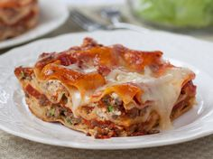 This Light & Classic Lasagna is the perfect combo of high satisfaction & lighter eating. #YUM