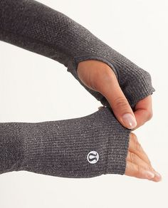 Running in the cold TN weather... Women's Swiftly Armwarmers *SE