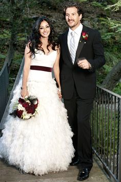 Shannen Doherty and Kurt Iswarienko wed on Oct. 15, 2011 in Malibu, Ca. She wore 3 gowns!