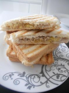 Sandwich Recipes 187462403217585288 - recette Croque monsieur kirri thon de PAPA Source by Croque Mr, Superfood, Bruchetta, Whats For Lunch, Roasted Almonds, Tacos, Love Eat, Chapati, Cold Meals