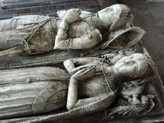 Sir Ralph Fitzherbert and wife, alabaster. Famous Historical Figures, Historical Art, Headstone Inscriptions, Dying Of The Light, Effigy, Memento Mori, 15th Century, Middle Ages, Knight
