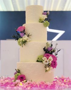 Trendy And Gorgeous Wedding Cake For Your Wedding Fantasy Wedding Cakes; Fondant Wedding Cakes, Buttercream Wedding Cake, Floral Wedding Cakes, Floral Cake, Wedding Art, Wedding Styles, Wedding Ceremony, Rustic Wedding, Our Wedding