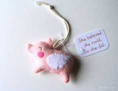 Pig Ornament Funny Valentine's Day Gift for Her Felt Pig Handmade Wall Hanging Funny Cute Gift for Women Flying Pig Inspirational Wall Decor