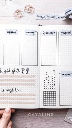 Easy Bullet Journal Ideas To Well Organize Accelerate Your Ambitious Goals Bullet Journal Weekly Spread, Bullet Journal Headers, Bullet Journal 2019, Bullet Journal Printables, Bullet Journal Hacks, Bullet Journal Notebook, Bullet Journal School, Bullet Journal Themes, Bullet Journal Layout
