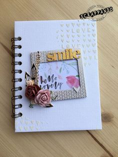 scrapbooking peanuts: White and Gold