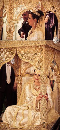 A wedding in Morocco Moroccan Bride, Moroccan Wedding, Moroccan Caftan, Arab Wedding, Wedding Ceremony, Gold Wedding, Oriental Wedding, Beautiful Bride, Cute Couples