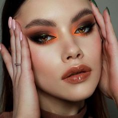 Runway Makeup, Beauty Makeup, Hair Beauty, Makeup Eye Looks, Eye Makeup, Make Up Art, How To Make, Orange Makeup, Daily Makeup