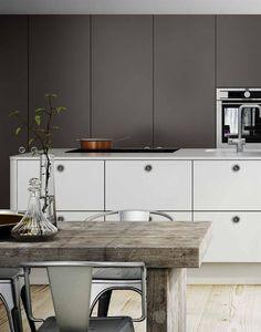 Kombination grått och vitt Interior And Exterior, Cool Kitchens, Interior, Kitchen Cabinets, Cabinet, Modern Kitchen, Home Decor, Kitchen