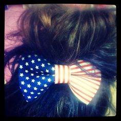 CHARM IT! HQ office look of the day! Samantha's patriotic bow in honor of Election Day! #charmit #lotd