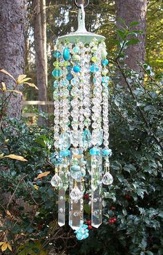 ♥Jeweled Mint Spa Antique Crystal Wind Chime, this is so pretty, wouldn't last in the Wyoming wind, but it's pretty.