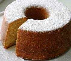 Um bolo simples e saboroso, ideal para um lanche com crianças. O Bolo de Manteiga sai sempre bem! Não hesite em fazer esta receita, até mesmo quando vai ter amigos …