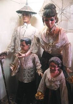 """""""A family belonging to the Principalía or lowland Christian nobility, wearing the Barong Tagalog and Baro't Saya. Philippines Fashion, Miss Philippines, Philippines Culture, Baro't Saya, Barong Tagalog, Filipiniana, Fashion Wallpaper, Fashion Photography Inspiration, Traditional Fashion"""
