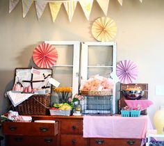 A picnic-themed first birthday party for a little girl... Adorable.