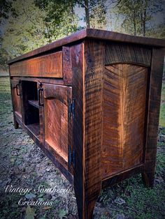 Rustic Farmhouse Furniture, Wood Worker, Metal Homes, Wood And Metal, Rustic Decor, Recycling, Southern, Woodworking, Future
