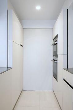 Small white design kitchen | minimal