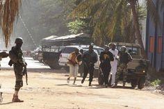 Al menos 125 clientes y 13 empleados de rehenes en hotel de Bamako en Mali