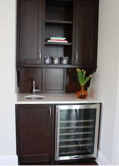 wet bar by entry this is the layout and sizing but we would modernize small bar