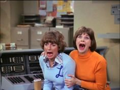 Laverne and Shirley only sitcom I laugh at my tv for.