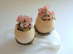 homework: creative inspiration for home and life: Celebrations: egg place cards