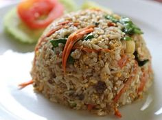 How to make Thai Crab Fried Rice. Thai Crab Fried Rice is a powerful combination of delicate flavors of crab meat and aromatic effect of carefully picked spices and herbs. Rice Recipes, Meat Recipes, Seafood Recipes, Asian Recipes, Cooking Recipes, Ethnic Recipes, Thai Crab Fried Rice Recipe, Crab Rice, Making Fried Rice