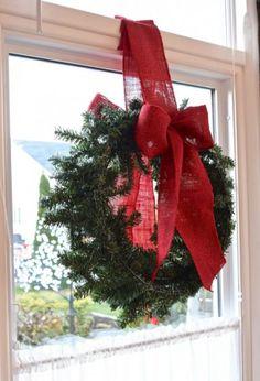 Classy Christmas Window Decor Ideas That Looks Elegant Bright Christmas Decorations, Christmas Wreaths For Windows, Christmas Swags, Xmas Wreaths, Holiday Decor, Wreaths In Windows, Window Christmas Lights, Holiday Ideas, Christmas Crafts