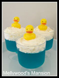 Rubber Ducky Baths ~ Jello and cream with a little ducky on top. cute for a birthday, baby shower or even Easter :) Theme Rubber Ducky Baby Shower Duck, Rubber Ducky Baby Shower, Baby Showers, Rubber Ducky Party, Rubber Duck Cake, Rubber Ducky Birthday, Boite A Lunch, Sesame Street Party, Sesame Street Birthday Party Ideas