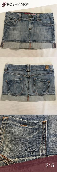 """Guess Jean Skirt 27 Stretch EUC. 5 pockets. Across Waist 15.5"""" Length 11"""". Embossed logo at the back pocket Guess Skirts Mini"""