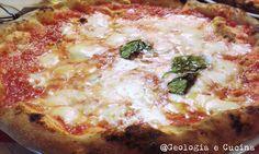 Geologia e Cucina: Vedi Napoli e poi...scendi nel sottosuolo.  #pizza #geologia  http://geologiaecucina.blogspot.it/2016/05/vedi-napoli-e-poiscendi-nel-sottosuolo.html