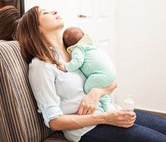 """Letter to the husband: """"I would love to run away"""" - Ec-Brief an den Ehemann: """"Am liebsten würde ich weglaufen"""" – Echte Mamas This is how it really is to be at home alone with a baby all day. Baby Kind, Mom And Baby, Baby Baby, Nouveaux Parents, Moda Outfits, Baby Care Tips, Trimesters Of Pregnancy, Postpartum Recovery, Baby Health"""