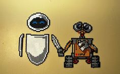 Wall-E and Eve hama perler beads by meddygarnet
