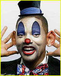 Will Smith is a Celebrity Clown Check out the horror of celebrity clowns. Gruseliger Clown, Joker Clown, Scary Clown Mask, Es Der Clown, Clown Faces, Evil Clowns, Scary Clowns, Male Makeup, Clown Makeup