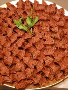 Eşimin Etsiz Çiğköftesi – Nefis Yemek Tarifleri How to Make My Wife's Meatless Cheesecake Recipe? Illustrated explanation of this recipe in the book of 847 people and photos of those who try it are here. Meatless Meatballs, Best Meatballs, Yummy Recipes, Yummy Food, Tasty, Meatball Recipes, Beef Recipes, Cooking Recipes, Meatless Recipes