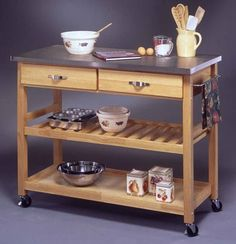 Kitchen cart island with side bar for kitchen towels ~ Mesa auxiliar con barra para paños de cocina.