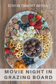 Snack Platter, Party Food Platters, Dessert Platter, Charcuterie Recipes, Charcuterie And Cheese Board, Holiday Appetizers, Appetizer Recipes, Fall Recipes, Holiday Recipes
