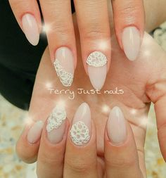 Lace gel white