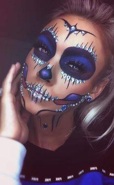 Cool Halloween costume and makeup ideas, Halloween Makeup Sugar Skull, Creepy Halloween Makeup, Amazing Halloween Makeup, Up Halloween, Cool Halloween Costumes, Sugar Skull Makeup Tutorial, Creative Makeup Looks, Crazy Makeup, Dead Makeup