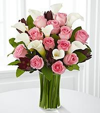 This arrangement I'm focusing more on the form/ shape. This arrangement is made with different colored Calla Lillies & Roses and made with some green leaves. I like this arrangement it has good promotions. This arrangement is in a circle shape. Lys Calla, Calla Lillies, Calla Lily, Lilies Flowers, Beautiful Flower Arrangements, Fresh Flowers, Beautiful Flowers, Romantic Flowers, Arrangements Ikebana