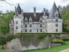 Château de Puiguilhem XVIème siècle - France