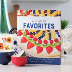Favorite Family Recipes is your home for over 1000 Dinner, Dessert, Instant Pot, Slow Cooker, and Copycat Recipes! Making food & making memories since Family Recipes, Family Meals, Kid Meals, Parmesan Squash, Marinated Cucumbers, Nothing Bundt Cakes, Fried Apples, Baked Cod, Shrimp Po Boy
