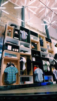 Box grid wall for UO Amsterdam