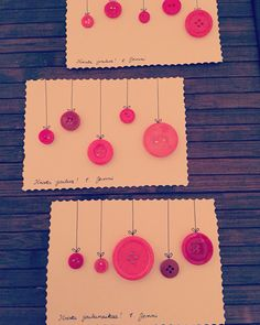 Selfmade Christmas card with buttons. Easy to make and makes you feel Christmassy. Make You Feel, How Are You Feeling, How To Make, Christmas Cards, Make It Yourself, Diys, Stage, Scrapbooking, Buttons